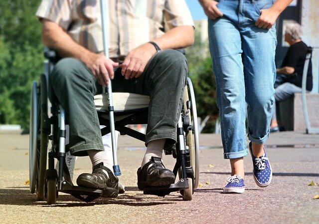 Desinfectar la silla de ruedas al regresar a casa ¿Es necesario?