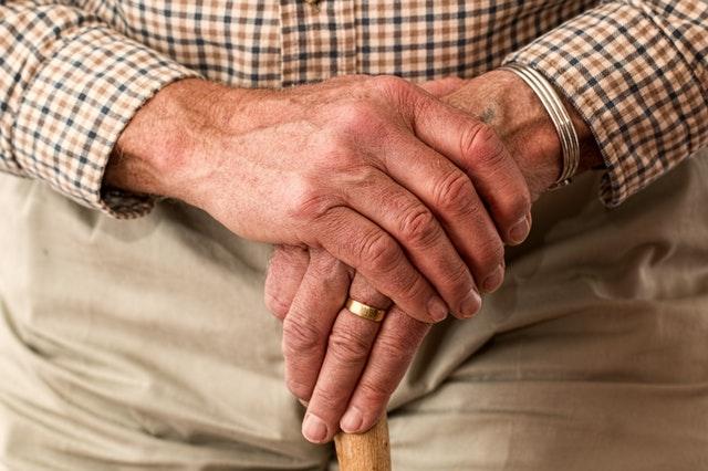 ¿Osteoporosis? Cuidados y consejos durante el confinamiento