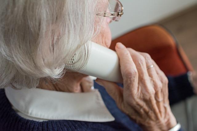 ¿Cómo determinar qué tipo de asistencia necesita una persona mayor