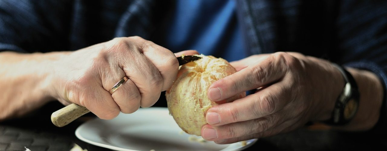 Cómo alimentar a una persona dependiente?