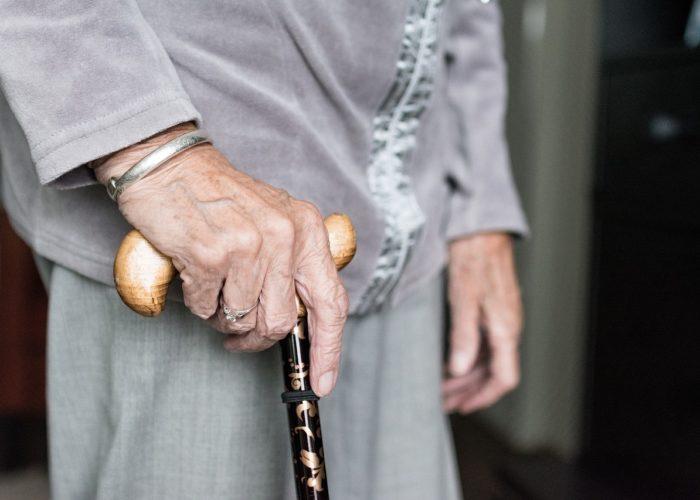 Cómo cuidar a un paciente mayor diabético