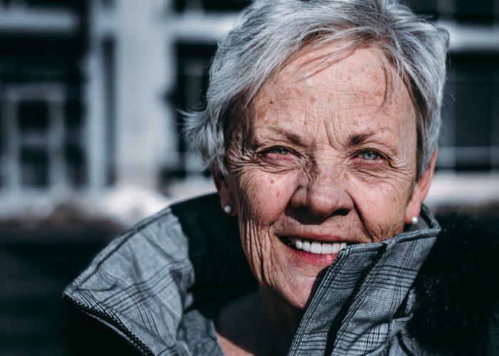 Cómo ayudar a los mayores con la correcta higiene íntima